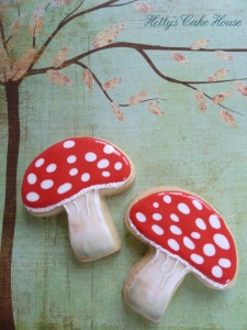 Toadstool cookies 002