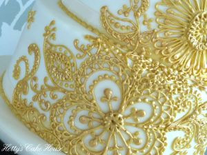 Golden lace cake close up 1