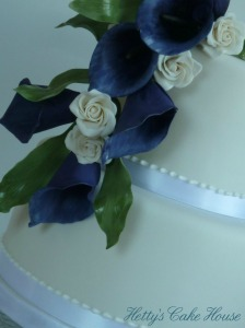 Purple Calla lily cake close up