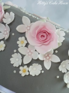 Floral garland cake close up