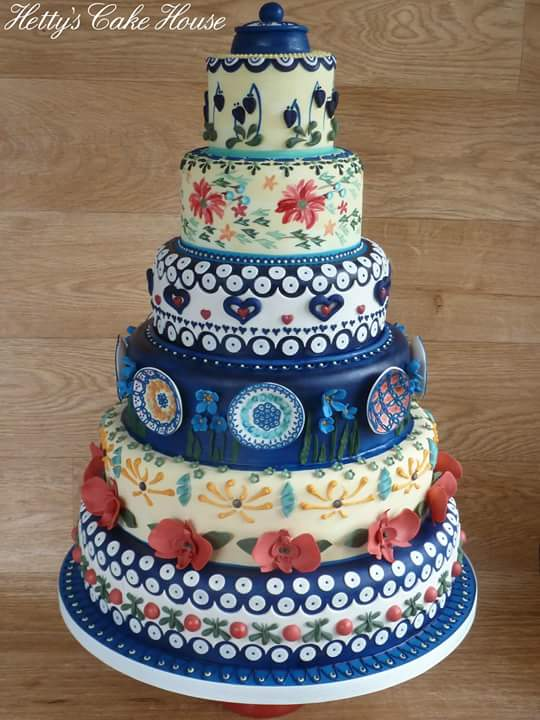 London Themed Wedding Cake