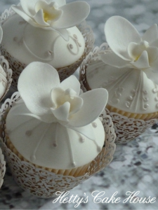 White orchid cupcakes
