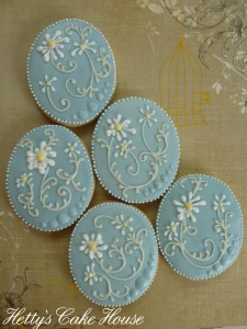Daisy wedding cookies