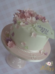 Blossoms with tag cake