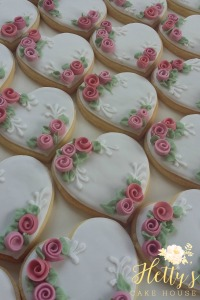 rose-heart-cookies-close