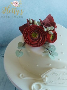 ranunculas-heart-cake-close-up