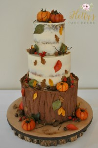 Autumn tree stump wedding cake 2