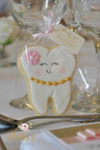 Tooth cookie